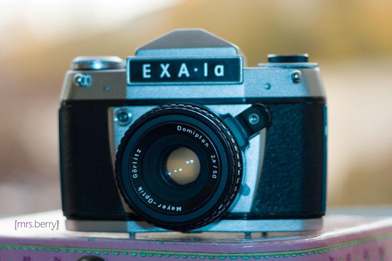 Exa1a - analoge Spiegelreflexkamera mit Objektiv Domiplan
