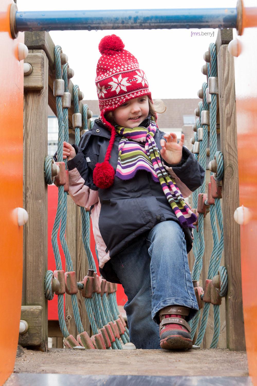 Spielplatzfreuden: Klettern