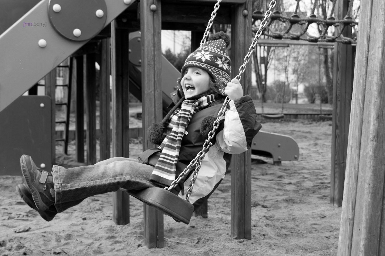 Spielplatzfreuden: Schaukeln