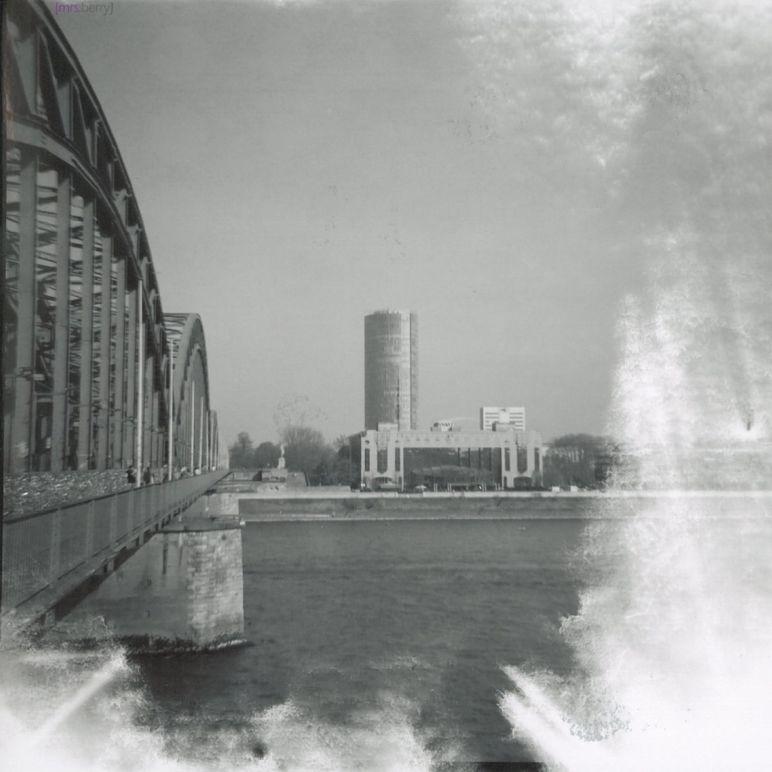 Lomografie Cologne: Hohenzollernbrücke