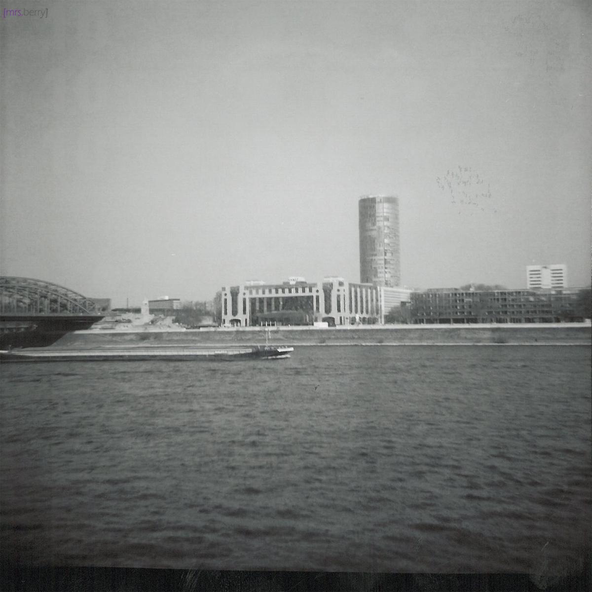 Lomografie Cologne: Blick auf die rechte Rheinseite
