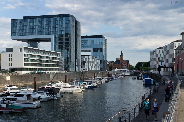 Rheinauhafen in Köln - Blick auf die Kranhäuser