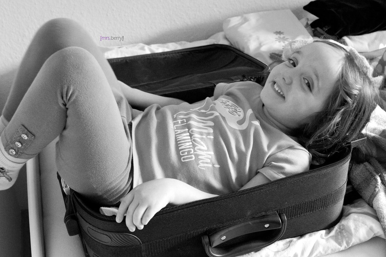 Koffer packen für eine Woche Familienurlaub in Holland.