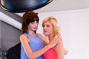 bts Gillette Venus Event: Gewinnerin Christina bekommt Tipps von Sarah-Anessa