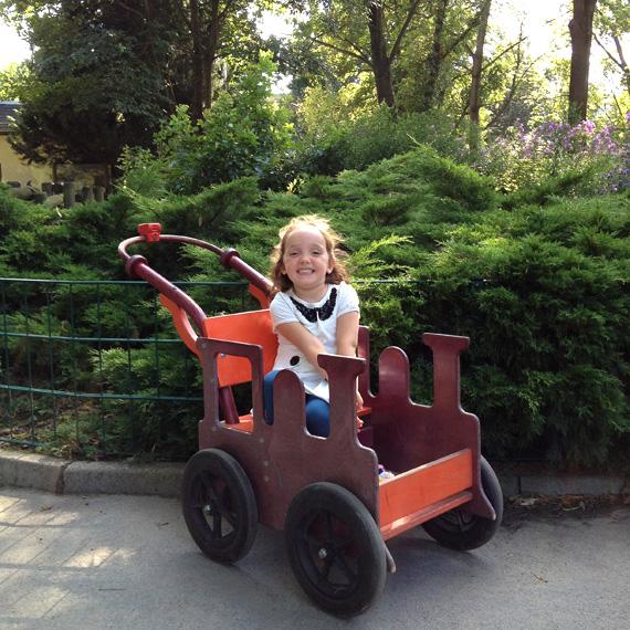 Dresdner Zoo: Kleine Miss im HAWAZUZI