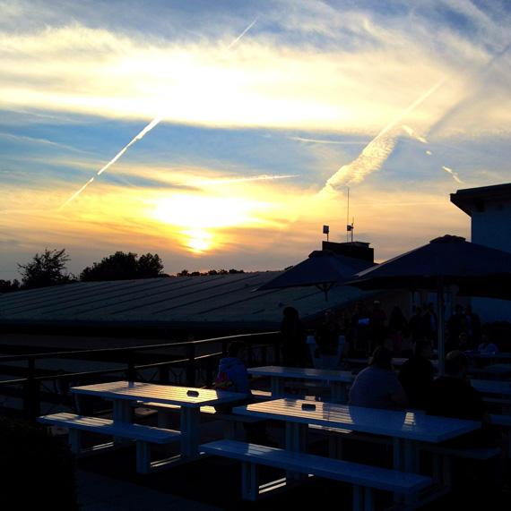 Flevoboulevard Swingt - Sonnenuntergang über dem Molecaten Ferienpark