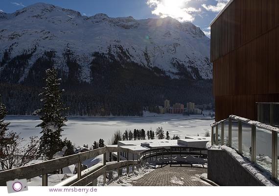TOP OF THE WORLD - Sankt Moritz Dorf, Blick auf Lago di Sankt Moritz