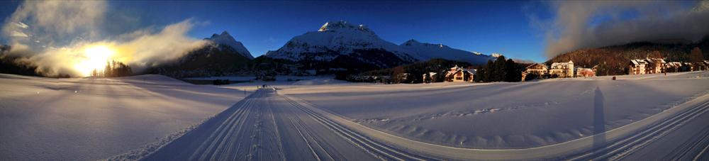 Sonnenuntergang in den Schweizer Bergen