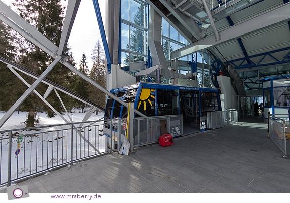 Die Tiroler Zugspitzbahn in der Talstation