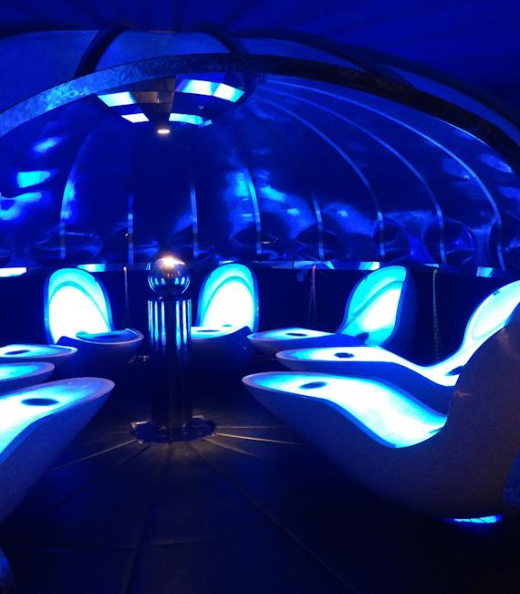 Aquarelax-Licht-Klang-Liege im Leading Family Hotel & Resort ALPENROSE