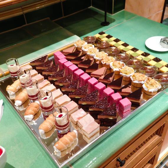 Süße Schmankerln vom Buffet
