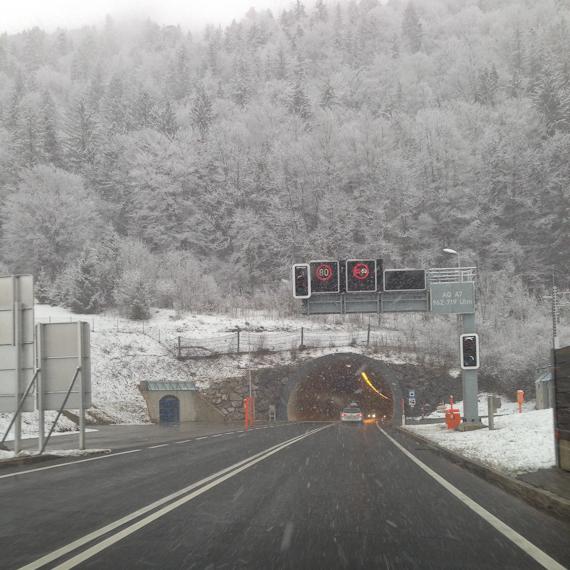 Der Grenztunnel zwischen Österreich und Deutschland - da guckst du in die Röhre