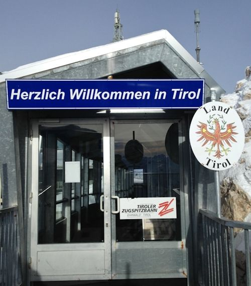 Und plötzlich guckst du in die Röhre – auf dem Weg nach Tirol