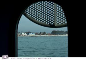 Blick aus der Tauchgondel auf die Promenade in Grömitz