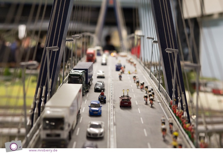 Miniaturwunderland in Hamburg - die Köhlbrandbrücke - mit 3.940 Metern die zweitlängste Brücke Deutschlands - zumindest im Original