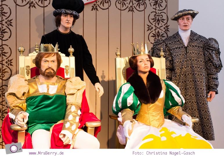 Drei Haselnüsse für Aschenbrödel: König und Königin auf dem Ball