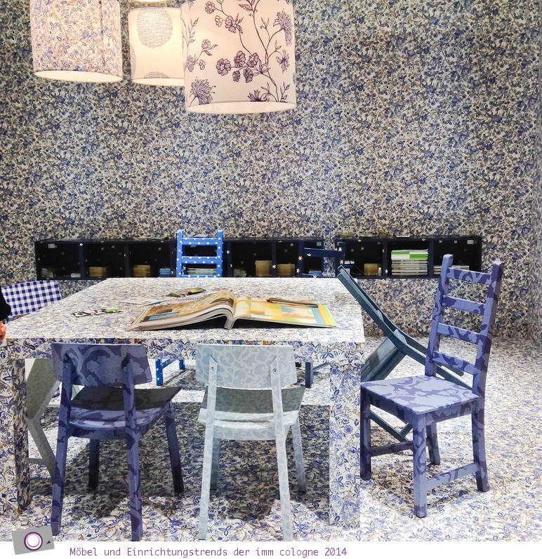 Möbel- und Einrichtungstrends von der imm cologne 2014: Blauer Raum des Tapeteninstituts