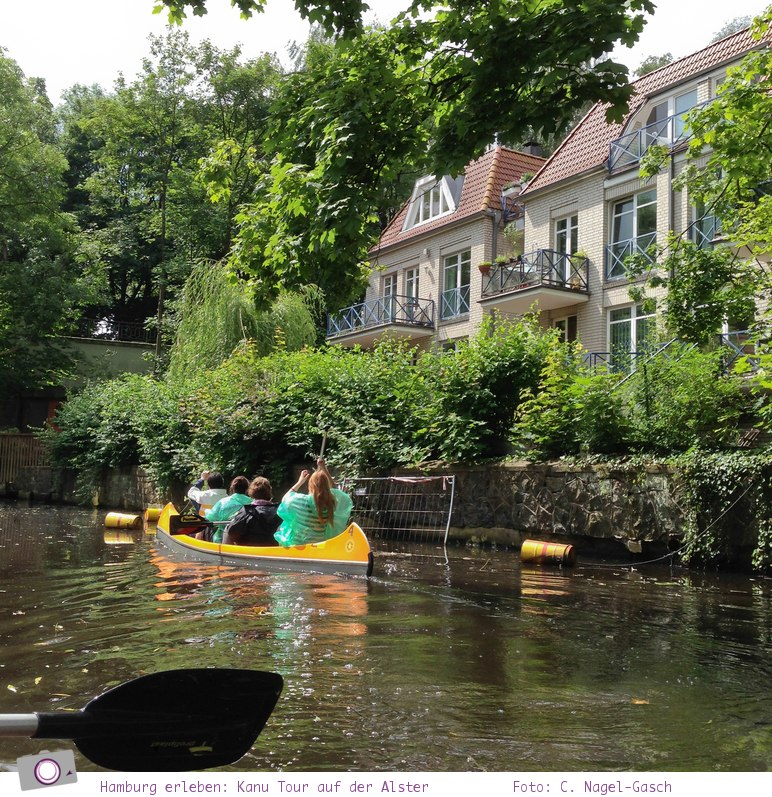 Hamburg erleben: eine Kanu Tour auf der Alster