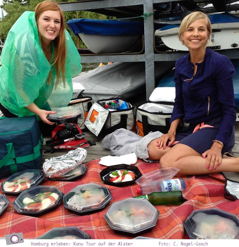 Hamburg erleben: eine Kanu Tour mit Picknick auf der Alster