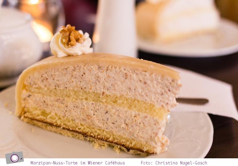 Lübecker Marzipan-Nuss-Torte im Wiener Caféhaus