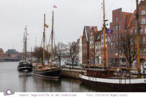 Lübeck: Segelschiffe an der Untertrave