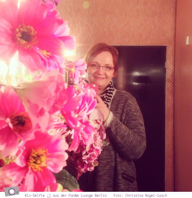 Reisefit im März: Ein Klo-Selfie aus der PanAm Lounge in Berlin