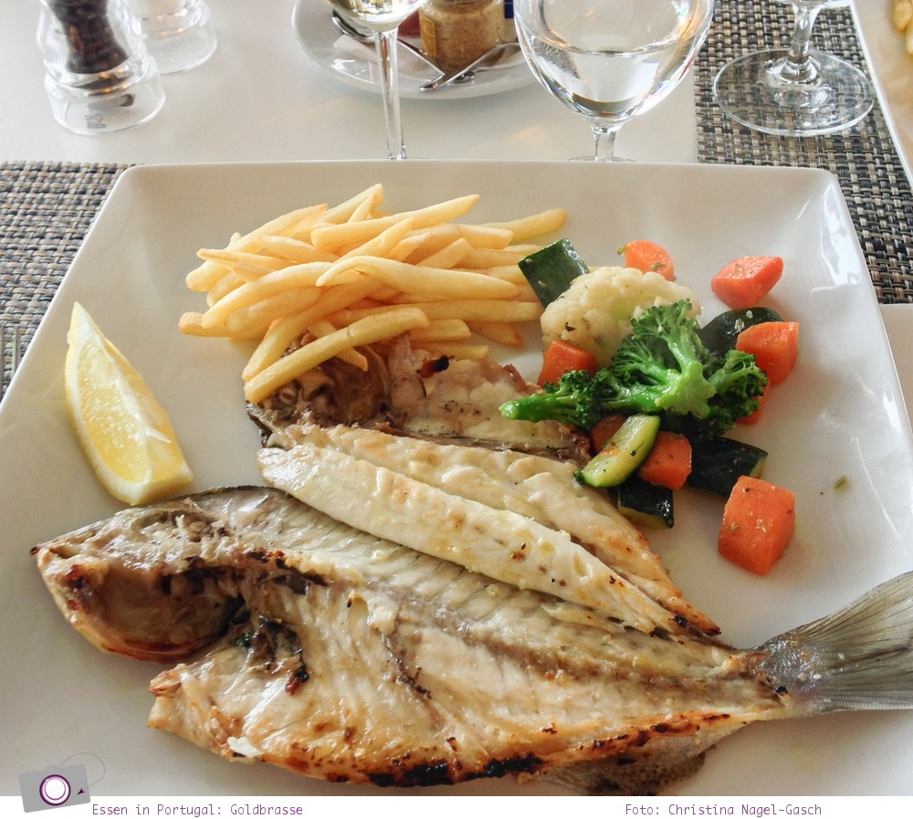 Essen in Portugal: frischer Fisch, Golden Bream (Goldbrasse)