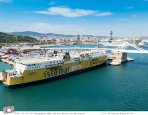 Mittelmeer Kreuzfahrt mit der Norwegian Epic - Ausblick vom Schiff im Hafen von Barcelona