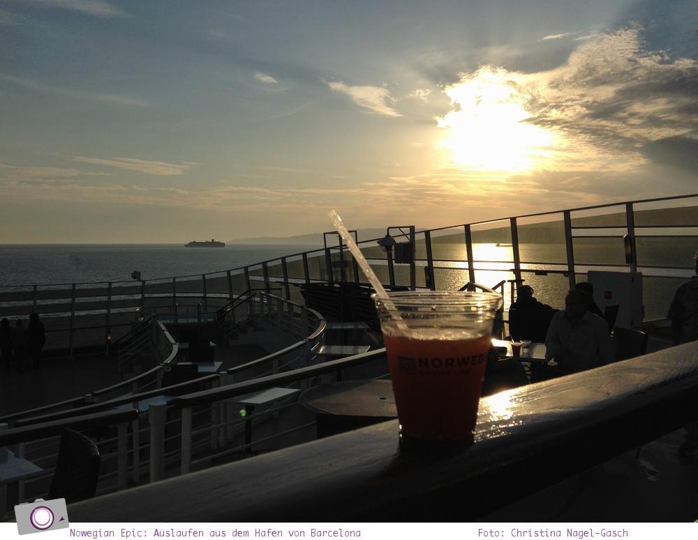 Mittelmeer Kreuzfahrt mit der Norwegian Epic - Auslaufen aus dem Hafen von Barcelona