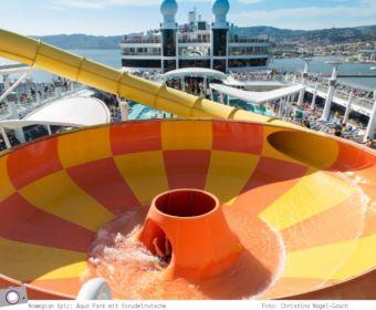 Mittelmeer Kreuzfahrt mit der Norwegian Epic - Aqua Park mit Strudelrutsche auf dem Sonnendeck