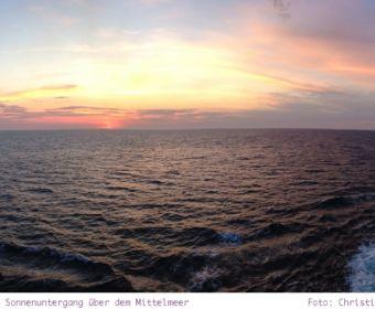 Mittelmeer Kreuzfahrt mit der Norwegian Epic - Sonnenuntergang über dem Mittelmeer