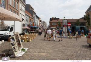 Antikmarkt in Tongeren - der größte Trödelmarkt und Flohmarkt der Benelux-Länder