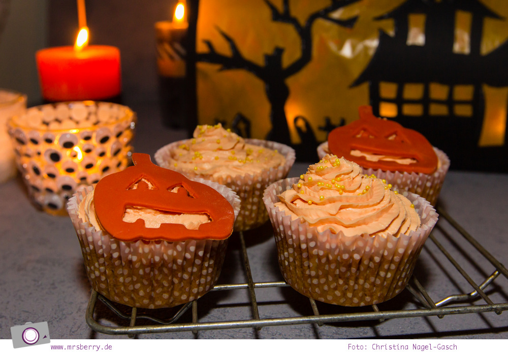 DIY_Halloween_Dekoration_Sweet_Table_11