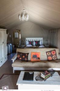 Südafrika Westkap - Einrichtung der B&B Luxus-Zelte in der Thali Thali Game Lodge