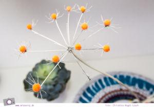 Pompon DIY: Basteln mit Blumen - Homedeko aus Doldenblüten