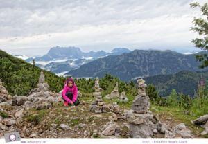 Steinplatte Waidring mit Aussicht auf den Wilden Kaiser