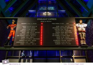 Musical für Kinder: Starlight Express in Bochum - Anzeigetafel in der Eingangshalle