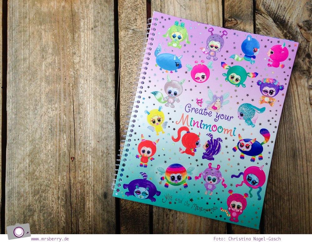 Was kommt in die Schultüte? 6 kreative Geschenke zum Schulanfang: Malbuch Create your Minimoomi mit Stickern