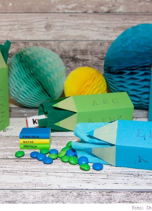 Geschenke schön verpacken: Buntstifte zum Schulanfang basteln