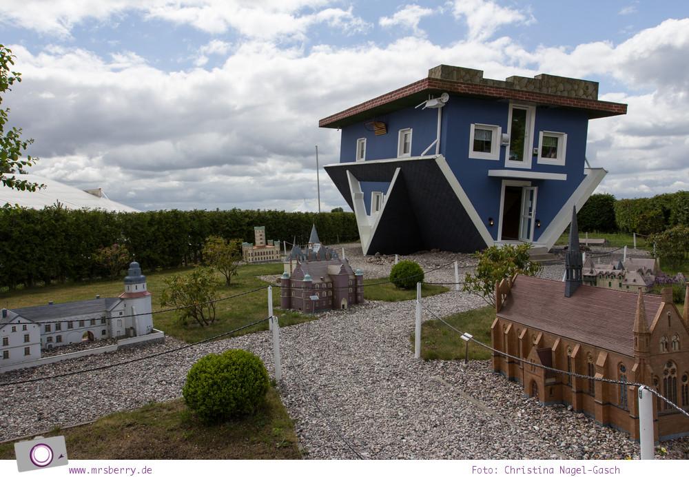 Usedom - Ausflüge für Familien und Kinder: Die Welt steht Kopf im Haus auf Kopf in Trassenheide