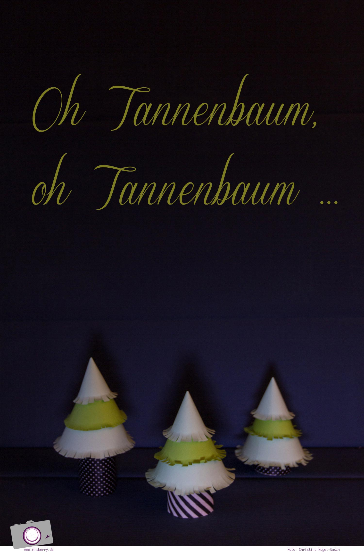 Adventskalender selber machen: basteln mit Klorollen - Tannenbaum / Weihnachtsbaum aus Klorollen basteln