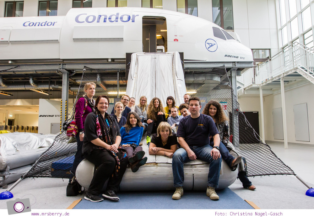 Condor: Ein Blick hinter die Kulissen von Deutschland größtem Ferienflieger #InsightCondor | Sicherheitstraining im Mock-up