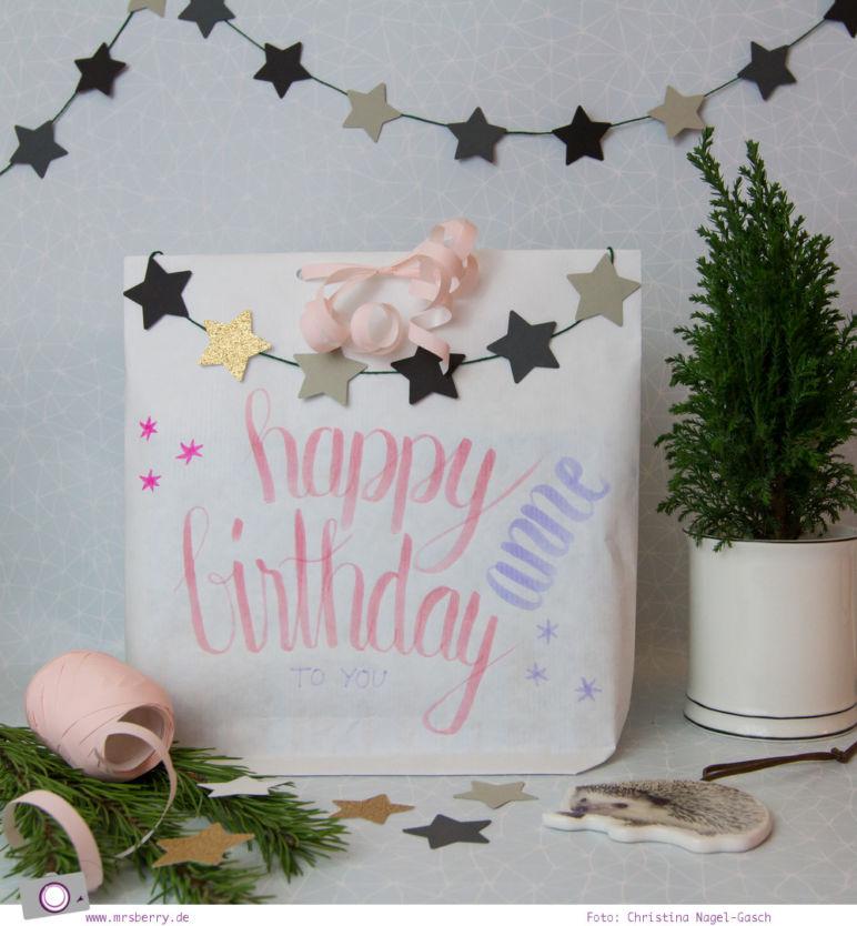 Geschenke schön verpacken - Geburtstagsgeschenk Tüte selber basteln |Handlettering
