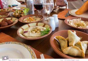 Rundreise Jordanien - ein Reisebericht: Dead Sea Panorama Complex - köstlich arabisch Speisen mit Aussicht auf das Tote Meer
