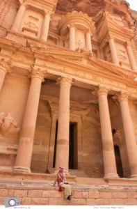 Rundreise Jordanien - ein Reisebericht: Besuch der antiken Felsenstadt Petra - das weltberühmte Schatzhaus Khazne al-Firaun
