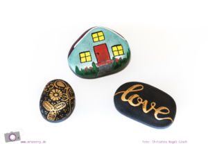 Kartenhalter aus Steinen und Draht basteln - ein DIY zum Muttertag, als Tischkartenhalter oder Bilderhalter: Step 1: Steine bemalen