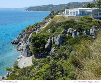 Griechenland, Chalkidiki, Kassandra: Agía Paraskeví ist ein beliebter Ort bei Wanderern