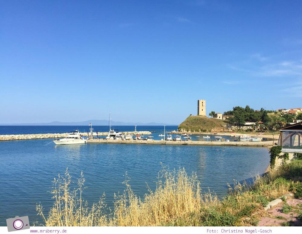Griechenland, Chalkidiki, Kassandra:  Néa Fókea mit seinem markanten Wehrturm