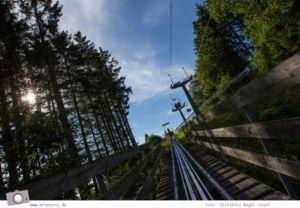 Die besten Ausflugsziele im Sauerland für Familien: Fort Fun Abenteuerland - Trapper Slider Sommerrodelbahn