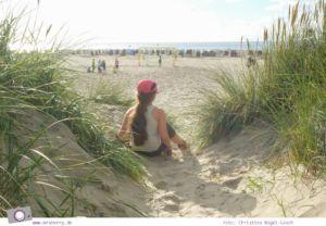 Camping an der Nordsee - mit Zelten Kind und Hund im Nordsee-Camp in Norddeich: am Strand in Norddeich
